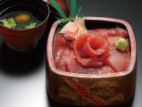 武田丸本店マグロ丼